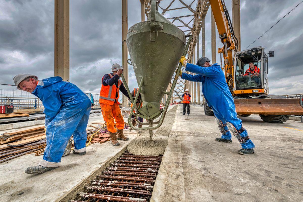Waalbrug-Nijmegen-beton-storten-2020